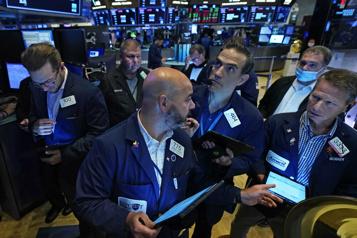 Le DowJones perd 2,09% avec la crainte du variant Delta)