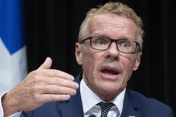 Québec dépêche 1000 agents de prévention pour lutter contre la pandémie)