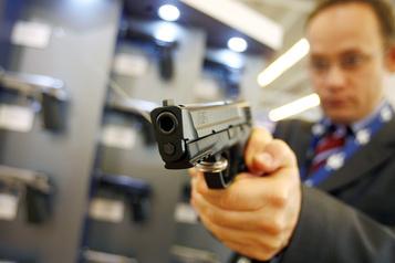 Les vendeurs d'armes à feu flambent à Wall Street)