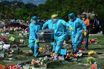 Bilan de la pandémie dans le monde Plus de 3868300morts)