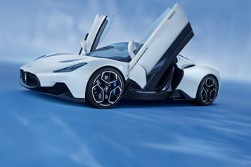 Maserati dévoile une nouvelle supervoiture essence/électricité)