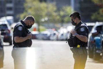 20 personnes arrêtées pour trafic de drogue à Toronto)