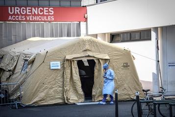 COVID-19: près de 2000 décès en France
