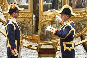 Pays-Bas: le carrosse doré du roi ravive le débat sur le racisme)