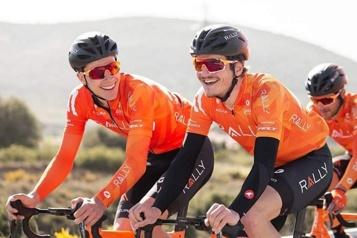 Tour de Grande-Bretagne Nickolas Zukowsky et compagnie dans le peloton)