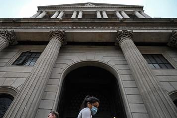 La Banque d'Angleterre moins pessimiste pour 2020, Bailey appelle à la prudence)
