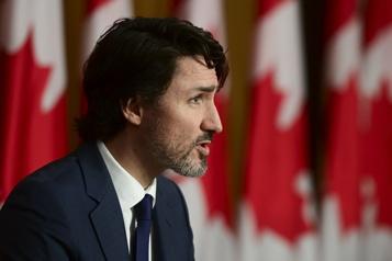 L'Ontario demande au fédéral de suspendre l'arrivée d'étudiants étrangers)