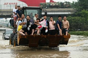 Inondations en Chine Au moins 56morts, le typhon In-Fa menace l'est du pays)