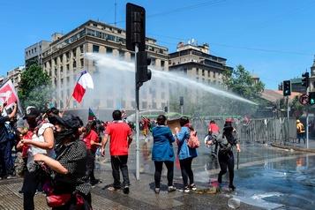 Chili: nouvelles manifestations et appel à la grève générale