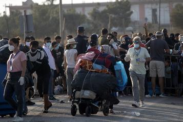 À Lesbos, la majorité de demandeurs d'asile installés dans le nouveau camp)
