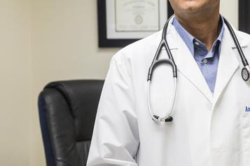 Un médecin qui cherchait des infos médicales sur un juge est radié trois mois)