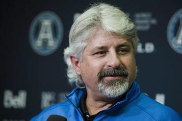 Poste de DG: Jim Popp intéressé, mais pas les Alouettes