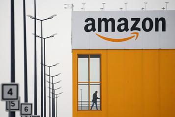 Amazon propose des bonus de 3000$US à l'embauche dans certains entrepôts)