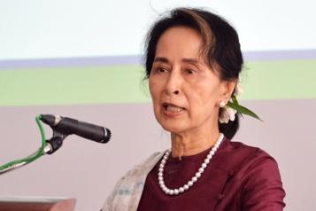 Birmanie Aung San Suu Kyi inculpée pour deux nouvelles infractions)