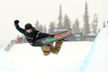 Surf des neiges Des chutes plombent le retour à la compétition d'Elizabeth Hosking)