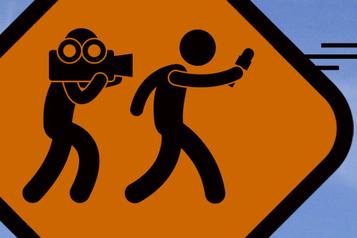 L'intimidation des journalistes doit cesser)