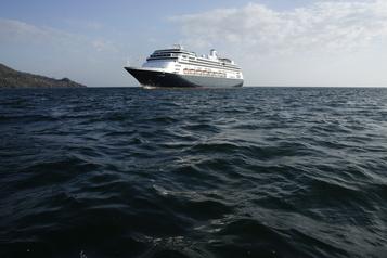 Le paquebot Zaandam autorisé à traverser le canal de Panama