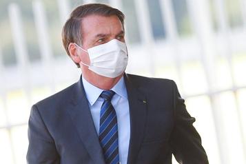 Bolsonaro demande aux entrepreneurs de «frapper fort» contre le confinement à Sao Paulo)