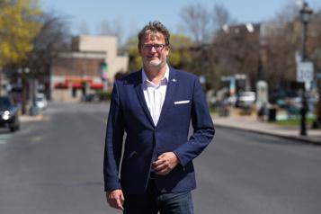 Le président de la CSN veut devenir maire de Longueuil )