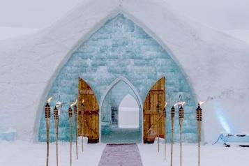 L'Hôtel de glace est ouvert)