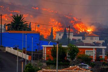 Éruption volcanique aux Canaries La lave détruit une centaine de maisons, 5000 personnes évacuées)
