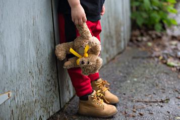 Plus d'un million d'enfants pauvres au pays, selon un rapport