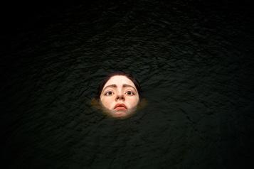 Espagne Une statue submergée fait sensation à Bilbao