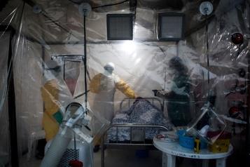 L'épidémie d'Ebola en RDC reste une urgence mondiale pour l'OMS)