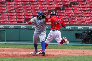 Les Blue Jays s'inclinent 5-3 à Boston)