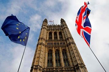 Brexit: accord in extremis, tous les regards tournés vers le Parlement