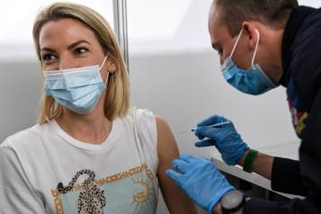 Vaccin anti-COVID-19 Un quart des Européens ont reçu au moins une dose)