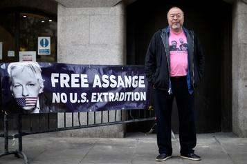 Ai Weiwei manifeste pour la libération de Julian Assange)