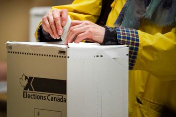 Élections Canada accélère les préparatifs pour un possible scrutin à l'automne)