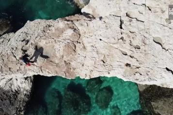 Hausse des températures de la mer Un biologiste marin inquiet pour les coraux de la Méditerranée)