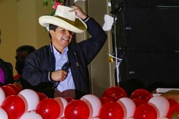 «Un Pérou sans corruption» Le nouveau président péruvien Pedro Castillo promet une réforme de la Constitution)