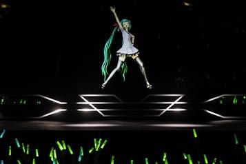 La vedette holographique Hatsune Miku à la Place Bell