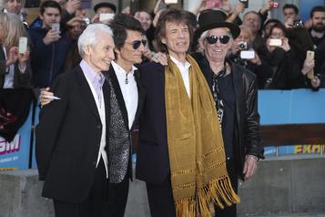 Les stars de la musique appellent à sauver la scène britannique)