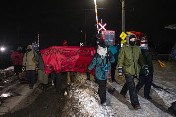 Saint-Lambert: les manifestants quittent les voies ferrées