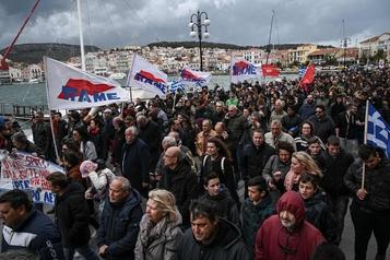 Grèce: nouvelle manifestation à Lesbos contre un nouveau camp de migrants
