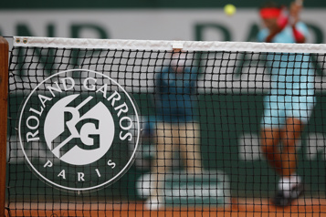 Le report de Roland-Garros envisagé par la France)