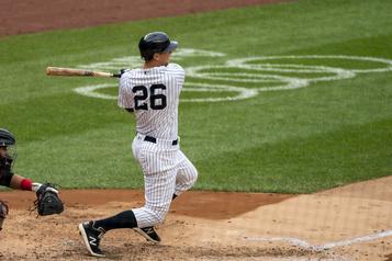 Gain des Yankees face aux Marlins DJ LeMahieu s'approche du titre des frappeurs)