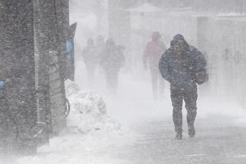 Importantes chutes de neige prévues mardi matin