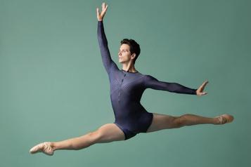 Guillaume Côté sur scène avec le New York City Ballet