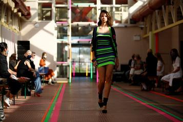 Fashion Week de Londres Mark Fast et Bora Aksu proposent des défilés avec public)