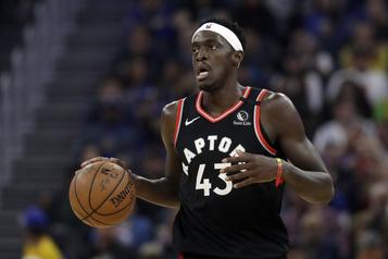 Les Raptors s'inclinent devant les Suns en match préparatoire)