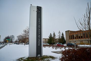 Élections municipales de novembre  Au moins quatre candidats àlamairie de Laval)