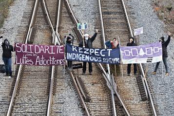 Sainte-Anne-de-Bellevue  Blocage de voies ferrées en solidarité avec un mouvement en Ontario)