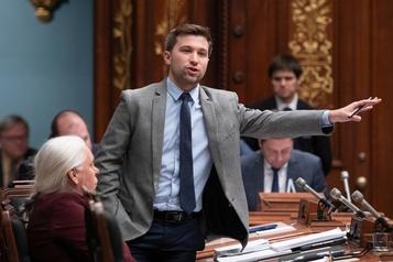Les Québécois ne veulent pas de baisses d'impôts, selon Nadeau-Dubois