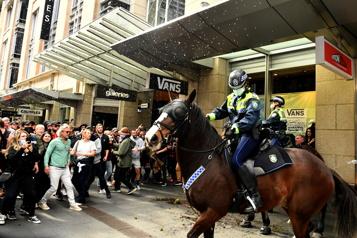Australie Une manifestation anticonfinement tourne à l'affrontement à Sydney)