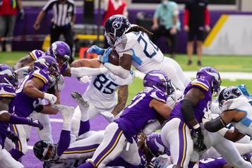 NFL Arrêt d'activité chez les Titans et les Vikings après des cas de COVID-19)